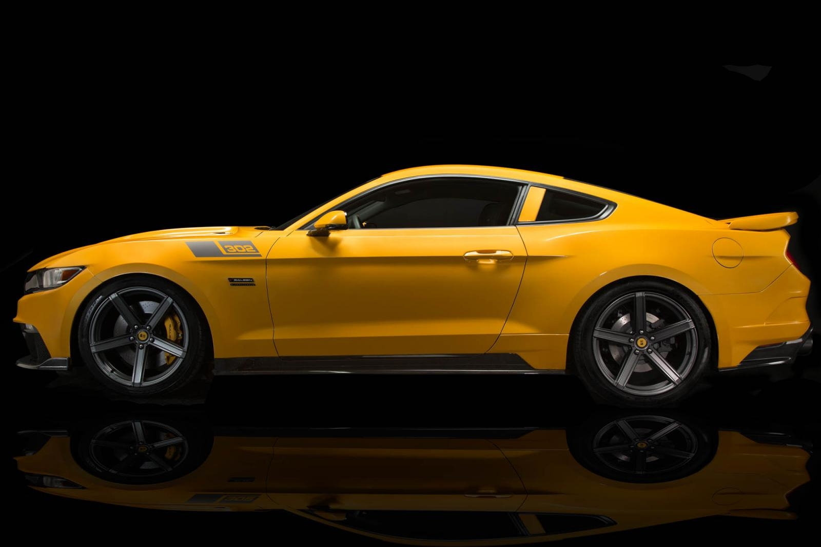 Saleen S302 Black Label Mustang 001